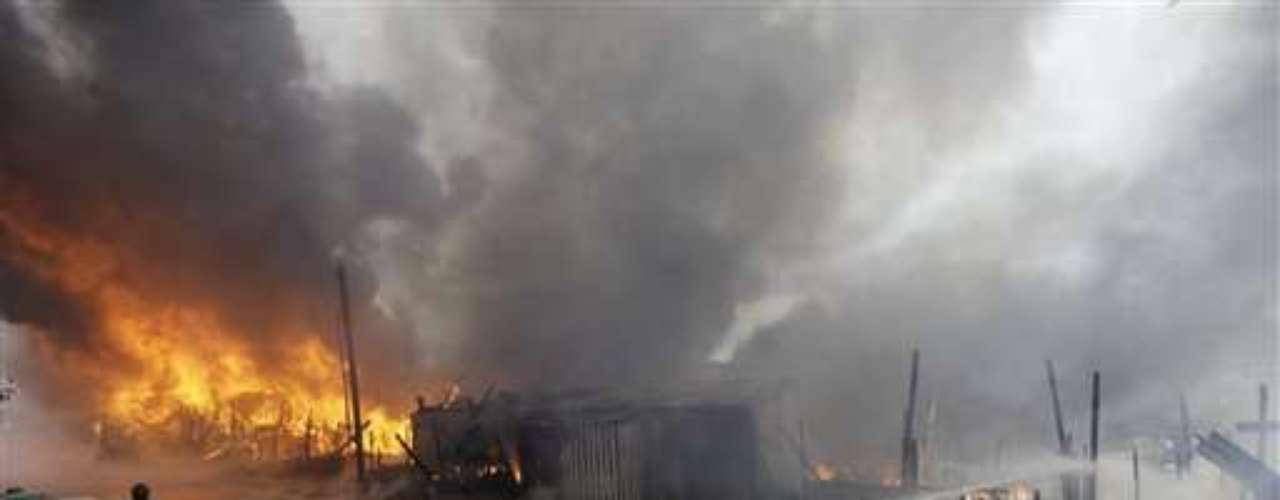 Los incendios han afectado recientemente varias favelas de Sao Paulo, los cuales las autoridades atribuyen al precario cableado eléctrico en esos lugares.