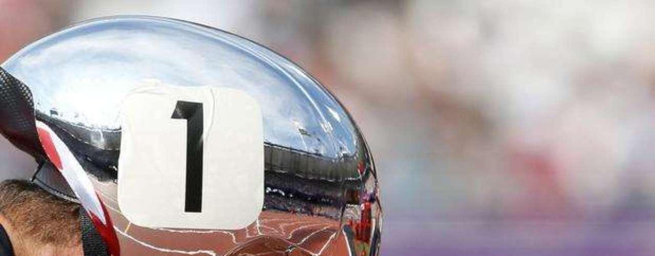 Detalle del casco del suizo Marcel Hug. El atleta terminó la prueba eliminatoria de los 1.500 m T54 en primer puesto.