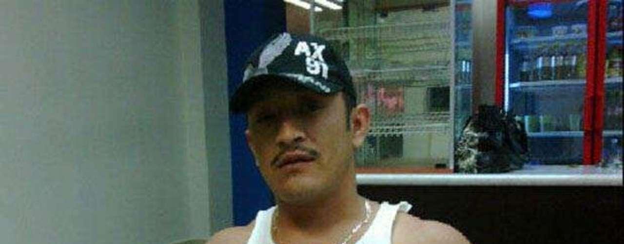 En marzo de 2011, un grupo armado secuestró y dio muerte al conductor de Televisa Monterrey, José Luis Cerda Meléndez, conocido también como La Gata, cuyo cadáver fue localizado horas más tarde con las manos atadas y varios impactos de bala en el cuerpo.