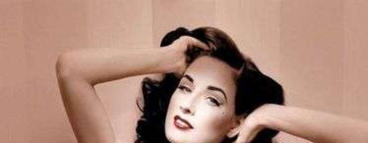 Anteriormente, colaboró con la marca de cosméticos Artdeco para crear una línea de maquillaje que lleva su nombre. También tiene una línea de lencería y su propia marca de ropa.
