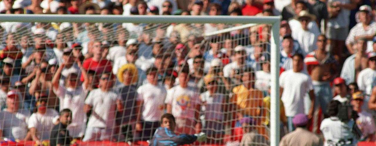 Este fue el autogol que marcó Andrés Escobar, en la derrota de Colombia 1-2 antes Estados Unidos en el Mundial de USA 94, motivo que tuvieron los autores de su muerte para asesinarlo.