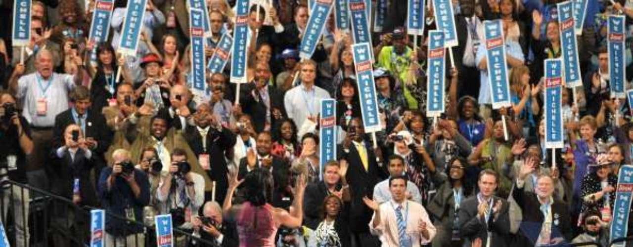 Por último fue el turno de la primera dama, Michelle Obama. Comienzó hablando del espíritu de las personas. Los héroes anónimos \