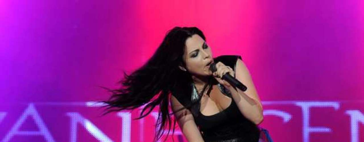 La voz líder de Evanescence Amy Lee es la segunda mujer más sensual del conteo.