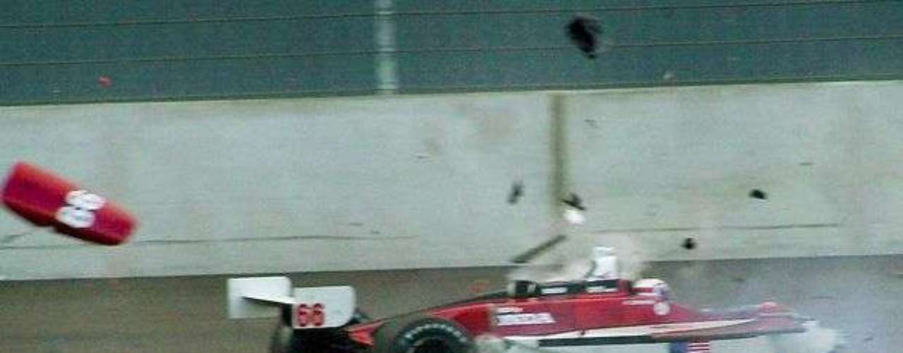 Sin embargo, un accidente en el 2001 cambiaría la vida del italiano para siempre: el canadiense Alex Tagliani chocó contra Zanardi a 320 km/h.