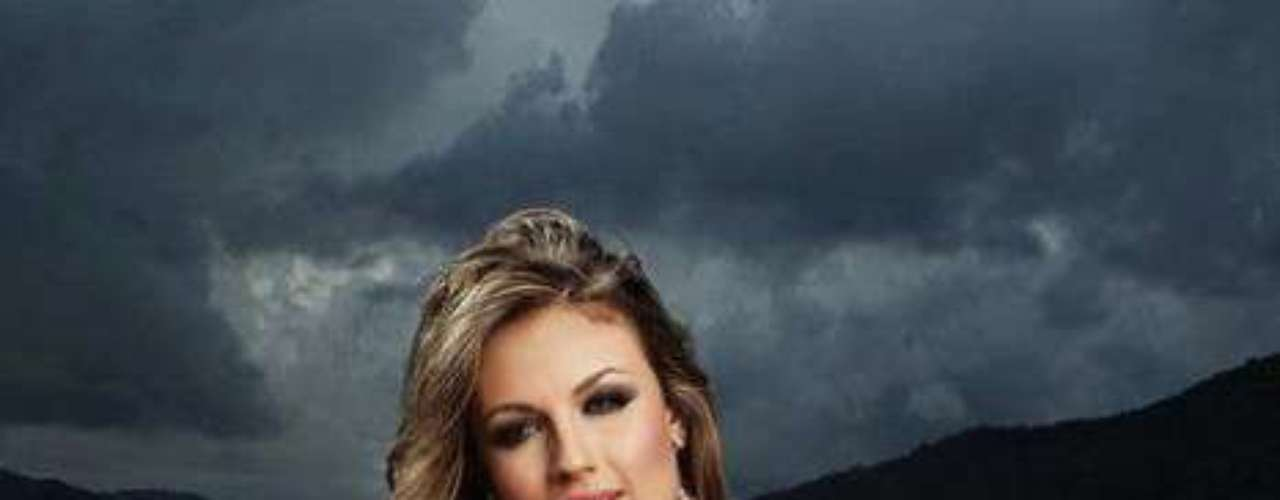 Fue elegida reina de los casinos de Colombia en Miss Gaming 2012 en donde se destacó por su saludable cuerpo y rostro armonioso.