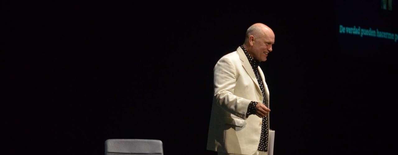 John Malkovich se presentó en la noche de este martes con su espectáculo \