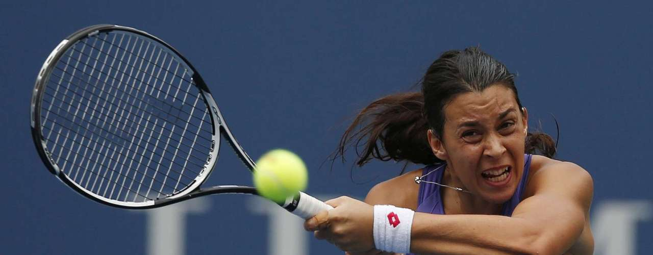 Early on it looked like France's Bartoli would run away with quarterfinal.  REUTERS/Mike Segar