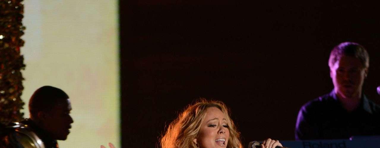 Durante esta actuación, la estrella estrenó por primera vez en vivo \