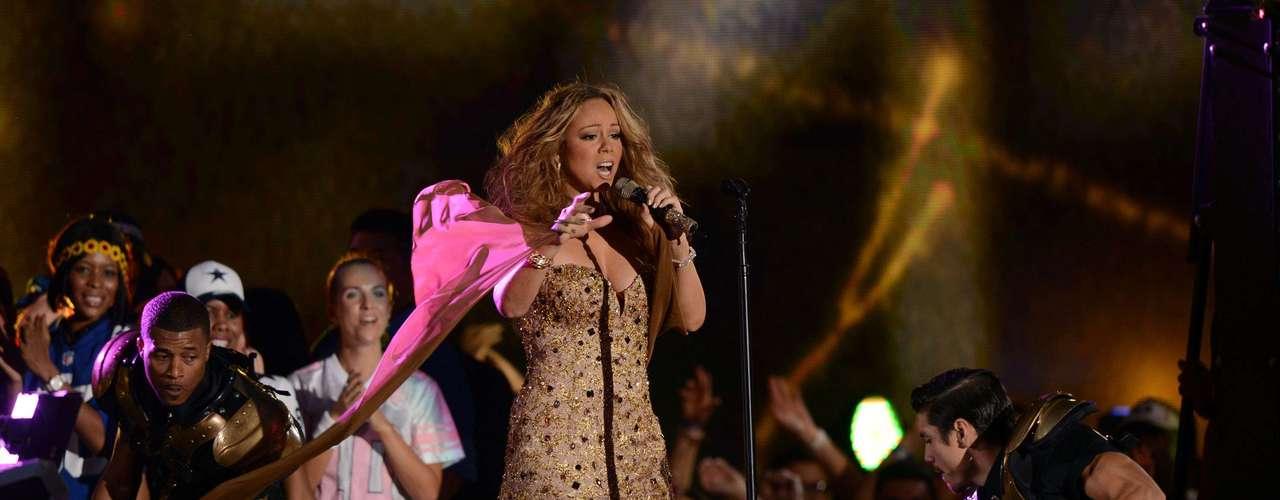 Mariah hizo gala de sus cualidades vocales para el disfrute de los neoyorkinos.