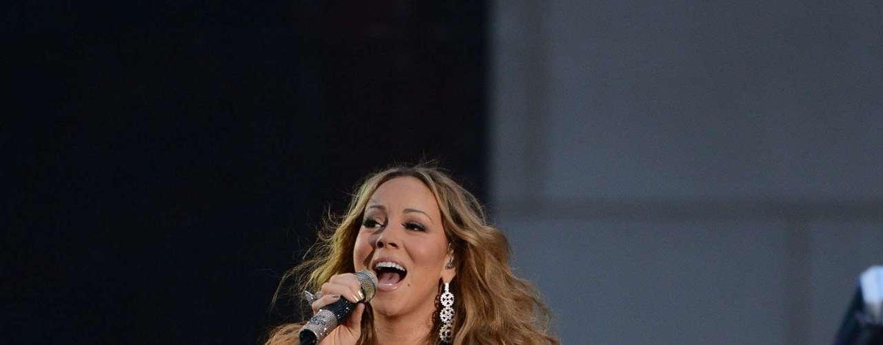 Mariah, con 20 años de trayectoria, buscó probar que todavía está sentada en el trono, como reina del soul  y el R&B.