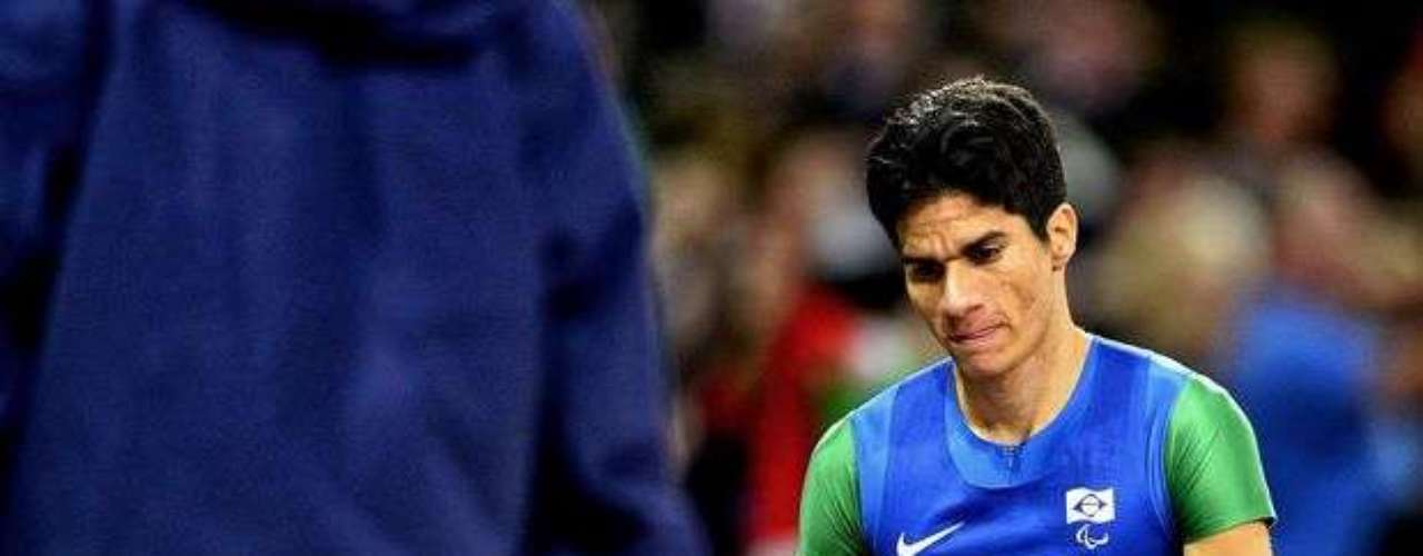 En esta otra imagen, Yohansson muestra su tristeza por la descalificación de Brasil en el relevo.