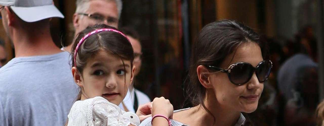 Desde que se separó de Tom Cruise se ha centrado en su hija Suri y se ha refugiado en ella. En la revista ELLE explicó que \