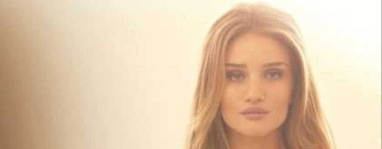 El angelito de 25 años se hizo mundialmente conocida al sustituir a Megan Fox en la última entrega de 'Transformers'.