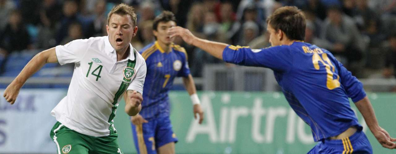 Ireland's Gil Vermouth looks to threaten the Kazakh goal.   REUTERS/Shamil Zhumatov