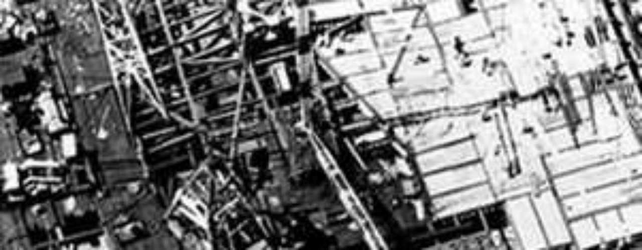 Se eligió a Minoru Yamasaki como el arquitecto, quien ideó un plan que incorporaba dos torres gemelas de 80 plantas cada una. Al final, se dio vida a un complejo financiero que albergaría dos torres gemelas de 110 pisos cada una.