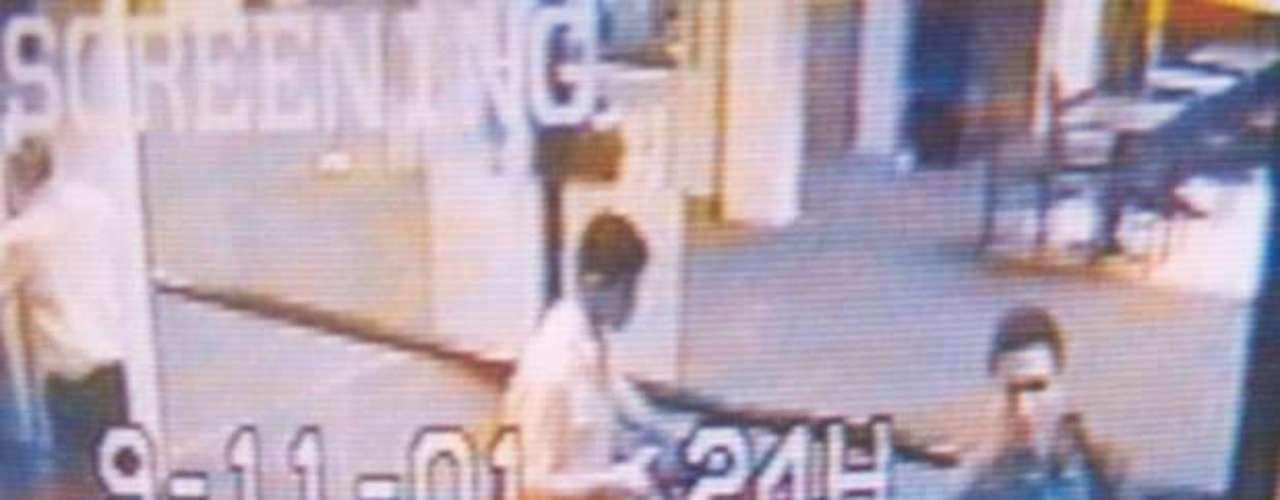 05:45:00 - Aeropuerto Internacional de Portland, Maine. Dos de los 19 secuestradores comienzan su viaje.