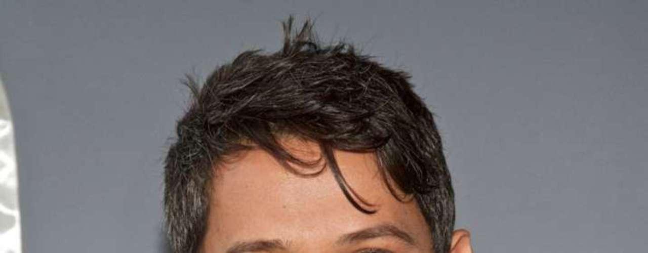 Alejandro Sánchez Pizarro decidió darse a conocer como cantante y compositor bajo el nombre de Alejandro Sanz.