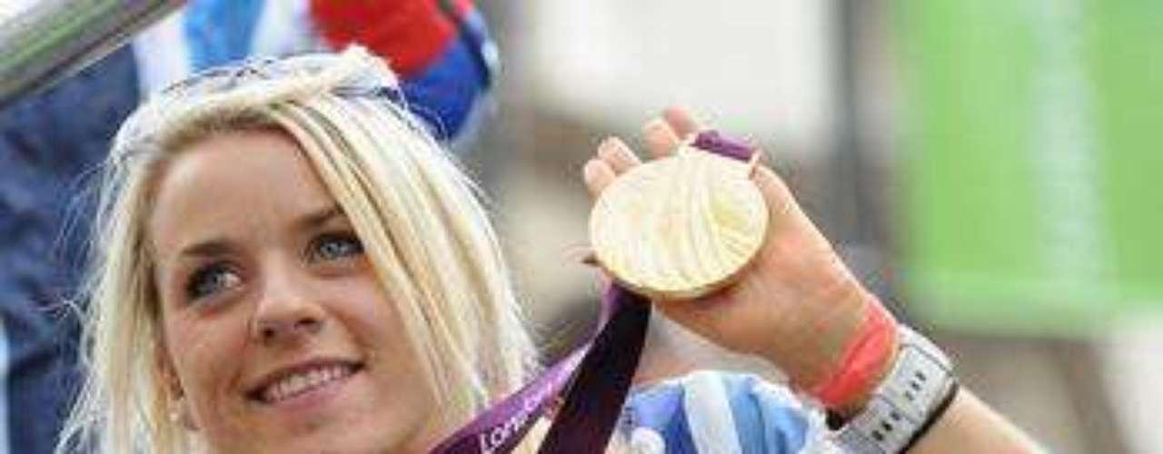 Josie Pearson fue medallista de oro en la prueba del lanzamiento de disco F51/52/53 (para atletas en silla de ruedas).