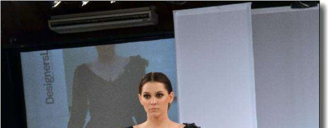 El negro representó los miedos femeninos en la  colección Primavera-Verano 2012/2013 de Juricich