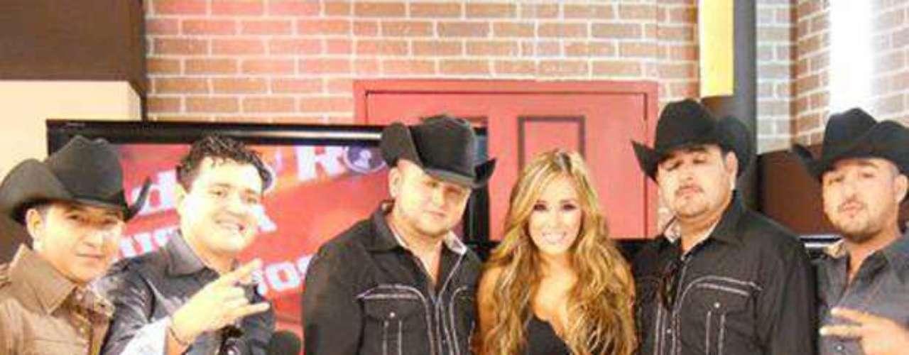Primazzia Norteña presentó en la Plaza de las Estrellas en México, para dar a conocer su quinta producción discográfica \