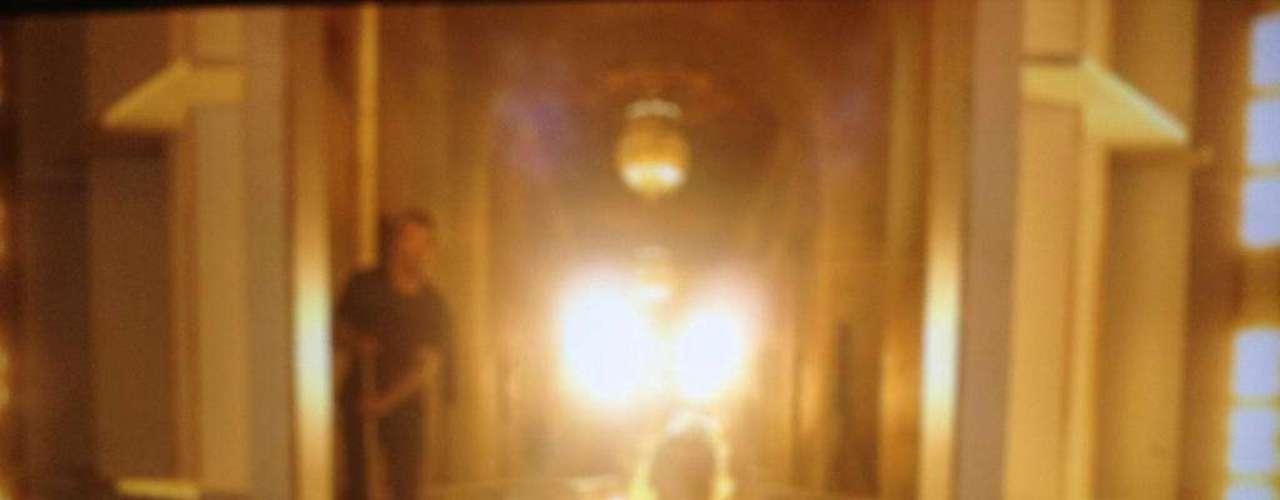 Harper Beckham muestra su potencial como modelo en la pasarela de su mamá en el NYFW. Con sólo 14 meses, la hija de Victoria y David Beckham avanza resueltamente por la pasarela. Victoria tuiteó la imagen a sus seguidores a lo largo de 4,5 millones con la leyenda:'Testing the runway!' ( \