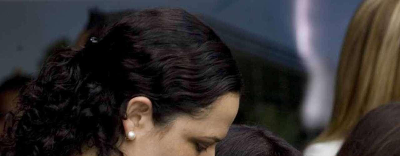 Mariana Gómez del Campo, Senadora (izq.) y Hania Novel, Periodista (der.).