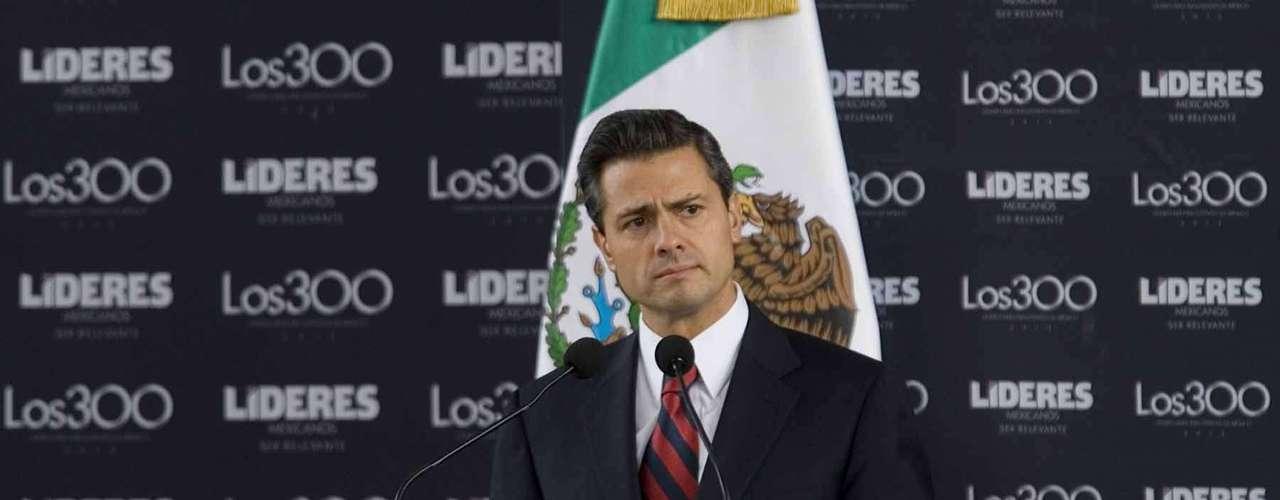 El presidente electo de México, Enrique Peña nieto, se reunió con personalidades políticas, deportivas, artísticas y sociales de México en una reunión que denóminó \