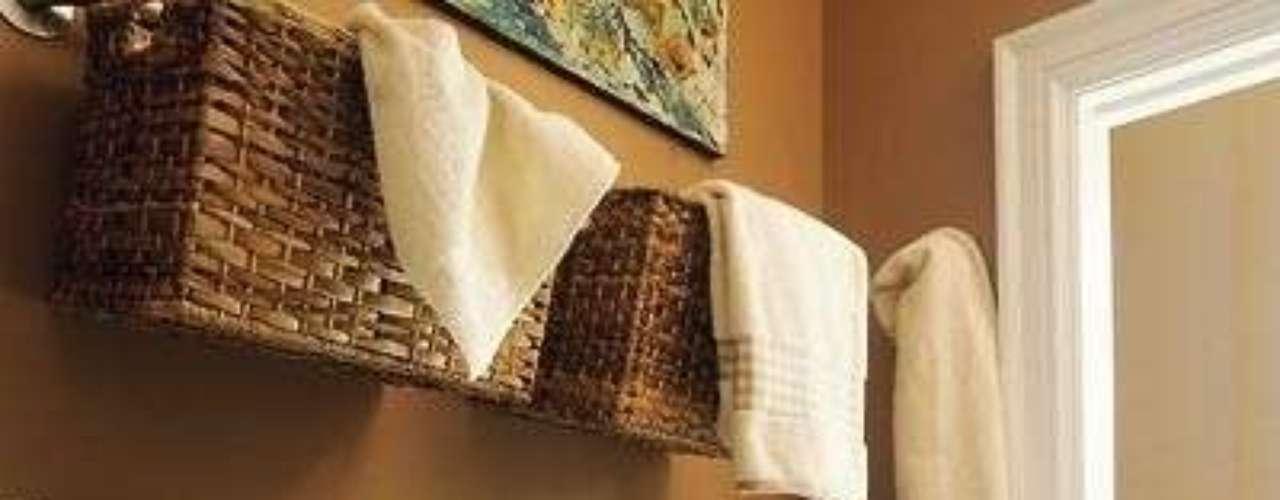 No apiles: ¡utilizá las paredes y colgá canastas para guardar lo que quieras!