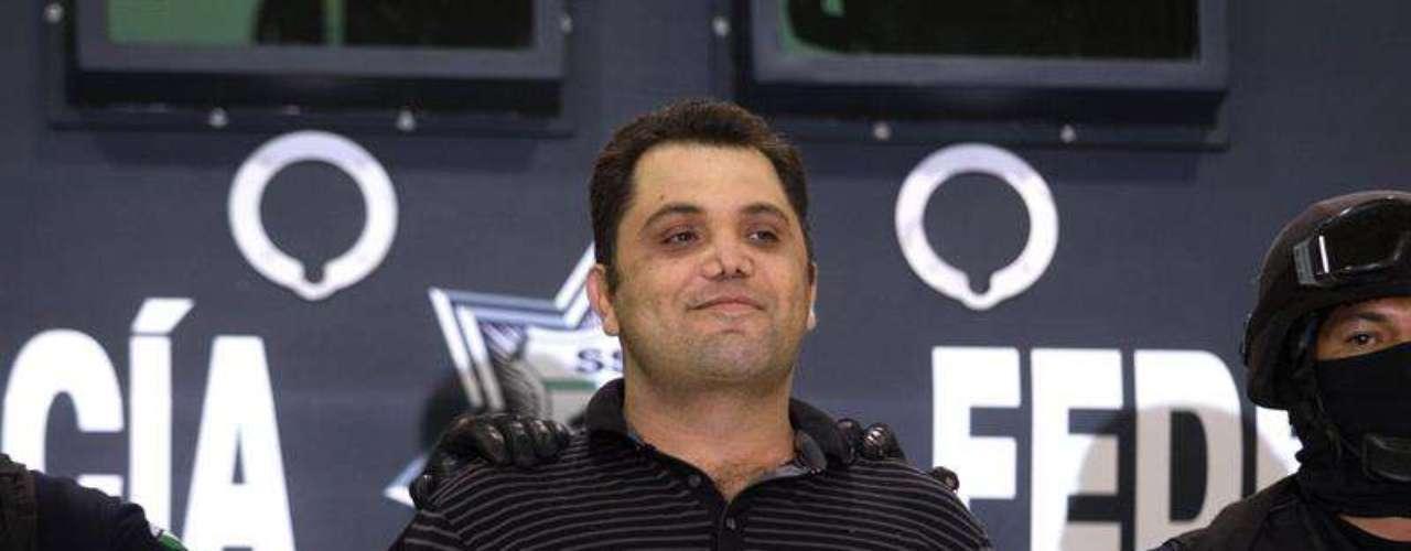 Sonriente y desafiante se mostró ante los medios de comunicación Ramiro Pozos González, alias \