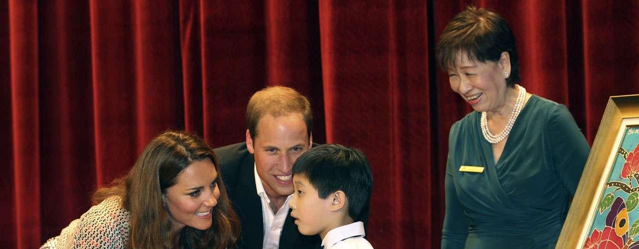 Los duques socializaron con personas de distintas generaciones pero su atención principal estuvo enfocada en los niños.