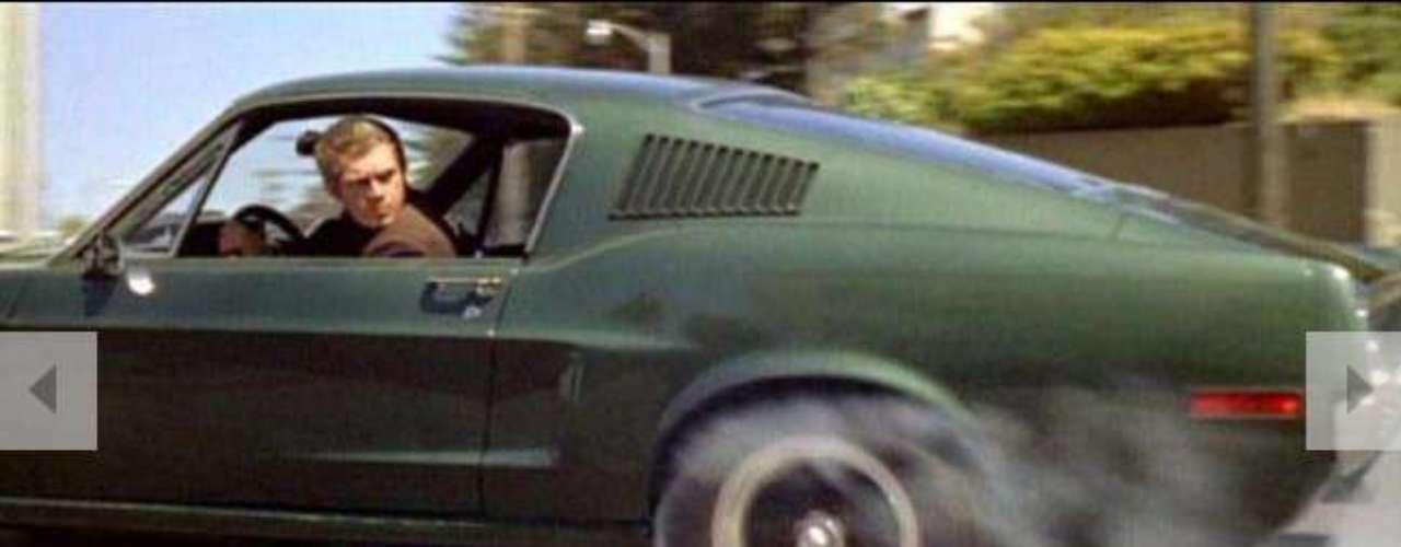 2.- Bullitt (1968). Las maniobras de Steve McQueen manejando su Mustang GT 390 es definida como la mejor persecución de autos. El choque de sus villanos en una bomba de bencina y la esperada explosión, es el mejor momento.