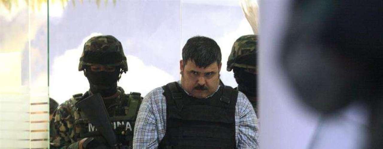 José Luis Vergara, vicealmirante de la Secretaría de Marina-Armada de México (Semar), precisó que la captura de este hombre se efectuó a las 18:15 horas del miércoles 12 de septiembre de 2012 en la colonia Lomas de Rosales.