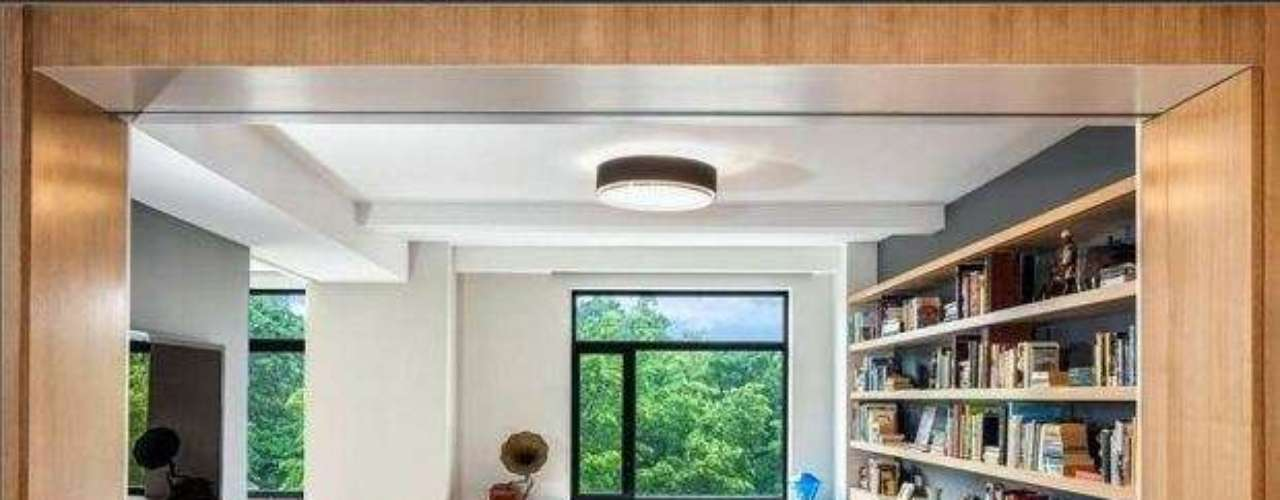 This is the apartment chosen by former Barcelona coach Pep Guardiola to live during his sabbatical year in New York.