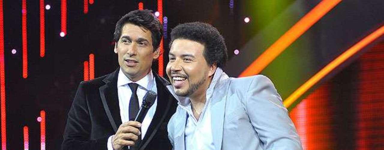 Este martes 18 de septiembre el animador de Chilevisión no celebra solamente la Independencia de Chile, sino que también el haber cumplido un año más de vida. Te invitamos a saludarlo a través de estas imágenes que resumen parte de su trayectoria televisiva y personal. ¡Muchas felicidades Rafa!