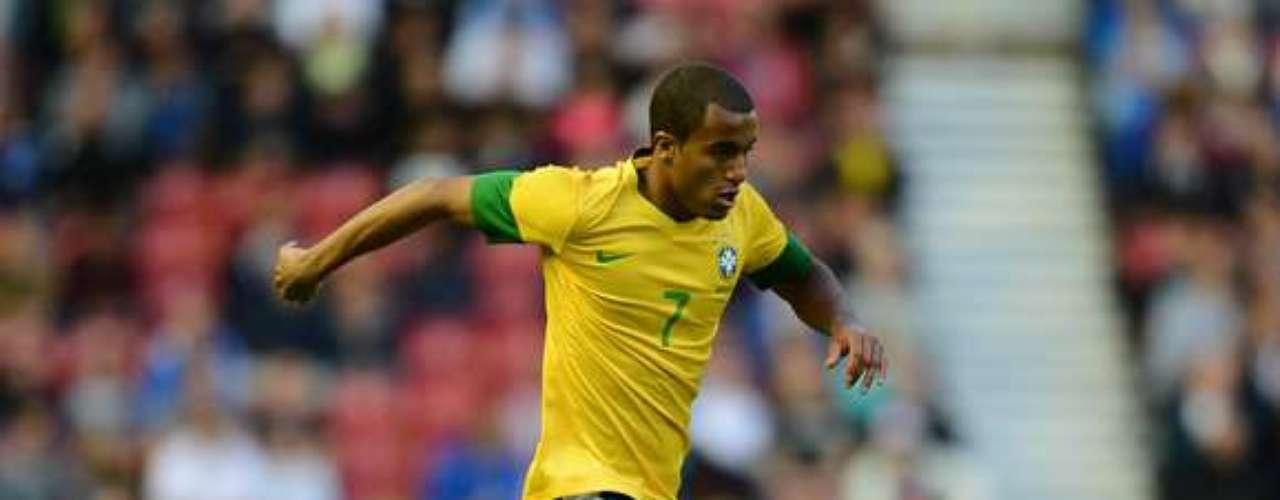 4.- LUCAS MOURA: Fue vendido desde el Sao Paulo al PSG por 40 millones de euros.