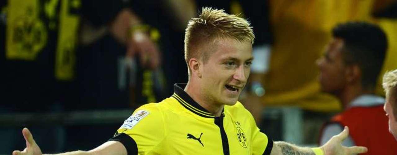 18.- MARCO REUS: El ariete alemán fue transferido desde el Borussia Mönchengladbach al Borussia Dortmund por 17.100.000 euros.
