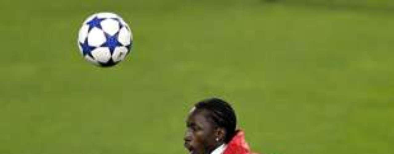 17.- LACINA TRAORÉ: Arribó al Anzhi ruso por 18 millones de euros.