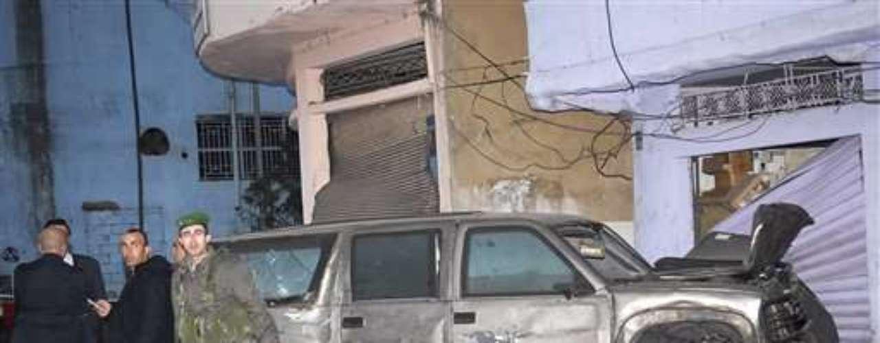 15 enero 2008. Al menos tres muertos (ninguno estadounidense) y 21 heridos en un atentado contra un vehículo diplomático de la Embajada de EEUU en Beirut. Además, el 9 julio 2008, un ataque armado contra el consulado de EEUU en Estambul causa la muerte por disparos de tres agentes turcos y tres de los asaltantes.