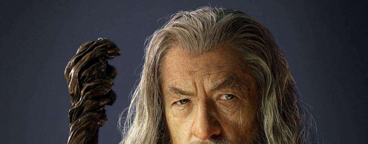 Gandalf - en Middle Earth. Uno de los personajes más queridos que reaparece en esta precuela de \