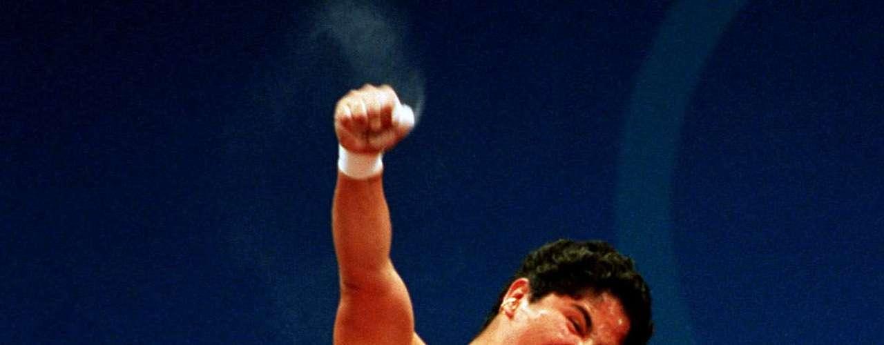 Soraya Jiménez.- atleta mexicana especialista en halterofilia. Fue ganadora de una medalla de oro en los Juegos Olímpicos de Sydney 2000. La primera mujer mexicana en ganar una medalla de oro en olímpicos.