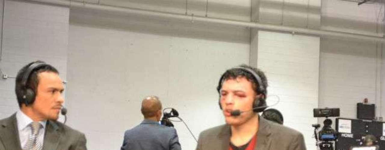 El Junior fue entrevistado por Juan Manuel Márquez, quien trabaja como comentarista para una cadena de televisión.