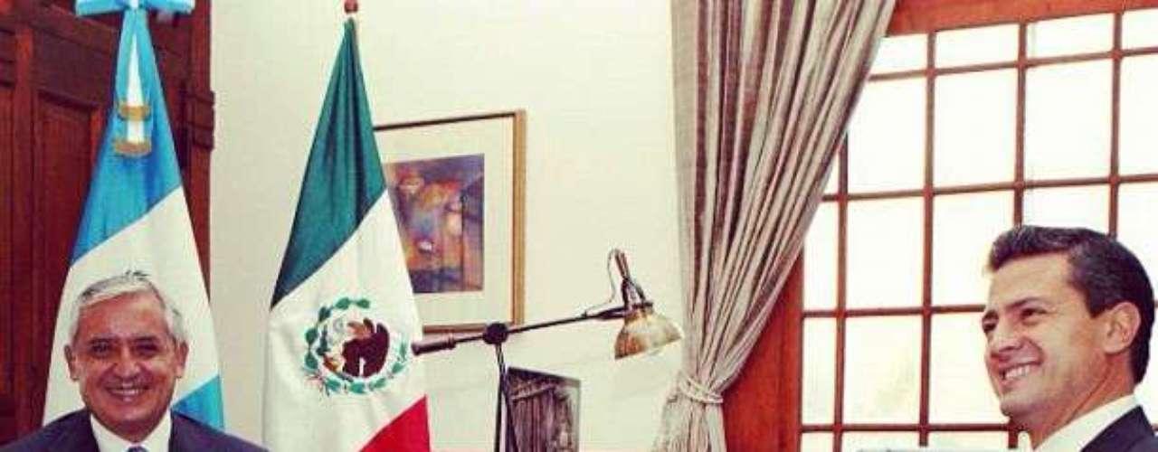 A su llegada a la ex sede gubernamental, Peña Nieto acudió al despacho presidencial para sostener una reunión privada con el presidente Pérez Molina.
