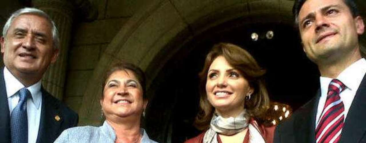 Luego de las reuniones de trabajo, el presidente electo de México Enrique Peña Nieto y el mandatario de Guatemala Otto Pérez Molina junto con sus esposas, culminaron su encuentro.