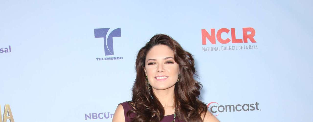 Telenovela star Angelica Celaya looked amazing! Fashion HIT!