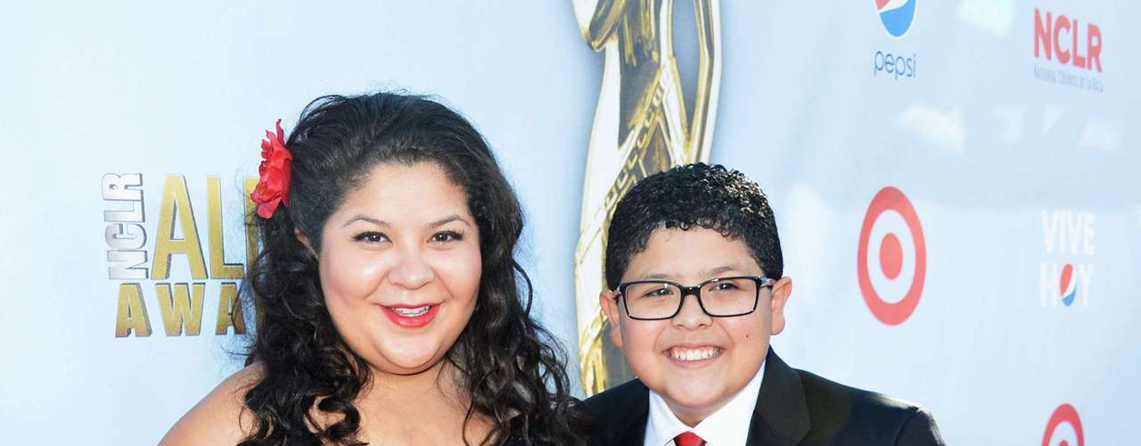 Modern Family's Rico Rodriguez looks j'adorable at the red carpet of the Alma's. The little actor took his sister Raini. They both matched, isn't that too cute? Fashion HIT!