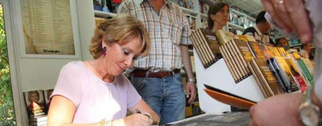 En el año 2010, Esperanza Aguirre publicó su libro Discursos para la libertad. De la mano de Winston Churchill o Margaret Tatcher, entre otros grandes personajes de la historia, la autora reflexiona en su obra sobre algunas de las frases pronunciadas en defensa de la libertad