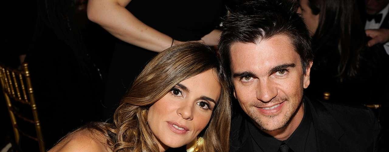 Karen Martínez, la esposa del cantante colombiano Juanes, perdonó que el interprete de 'A Dios le Pido' le hubiera puesto el cuerno. Juanes y su mujer se distanciaron un tiempo, pero luego él logró reconquistarla.
