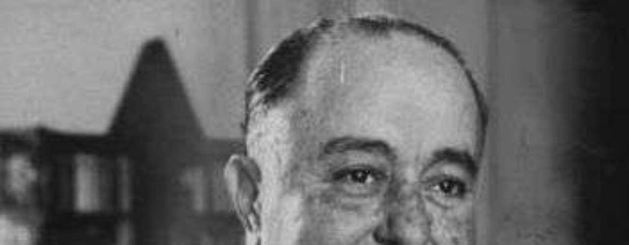 El multimillonario terrateniente Anastasio Somoza García fue presidente de Nicaragua entre 1937 y 1947 para luego regresar a un segundo mandato, de 1950 a 1956. En total, el 'Tacho' sumó 16 años como líder de ese país.