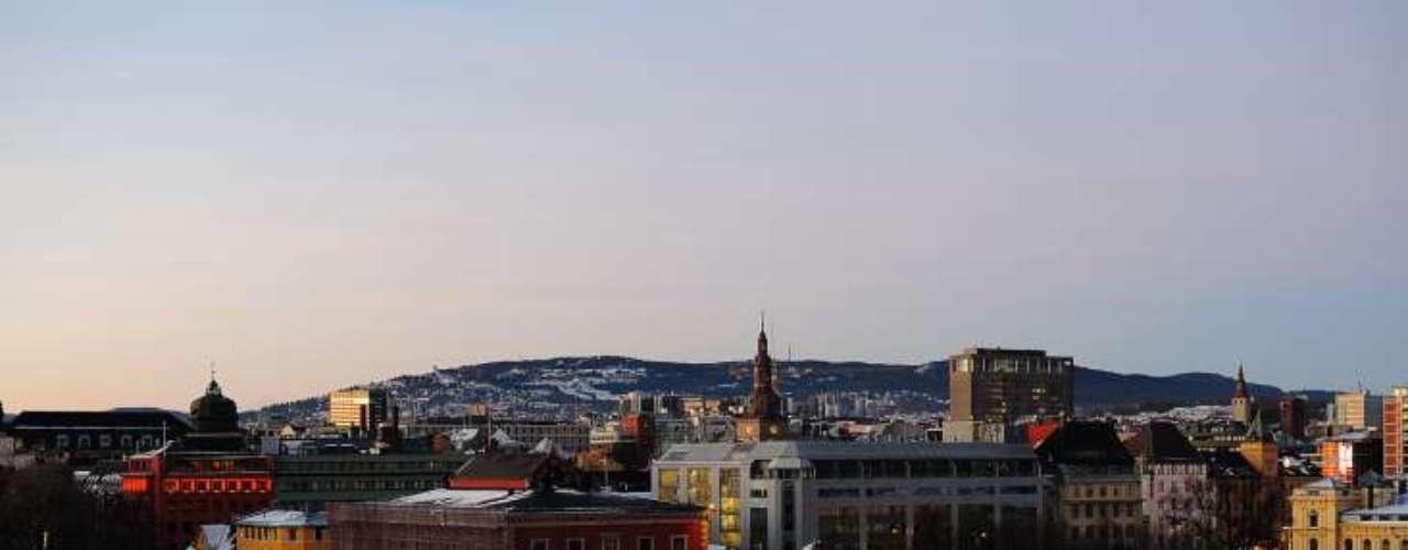 Oslo, Tokio y Zúrich son las ciudades más caras del mundo, según un análisis por el mayor banco suizo, UBS, de 122 productos y servicios, aunque si se agregan los alquileres, Nueva York, Hong Kong y Dubai, aparecen como las más caras.