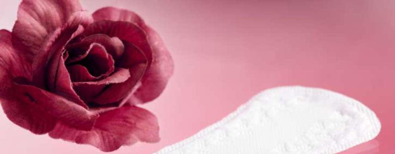 Absorventes perfumados pueden causar alergias porque alteran el pH de la región íntima. Expertos advierten del uso de productos perfumados en forma de talco, ya que las partículas podrían migrar al sistema reproductivo femenino. Estudios han sugerido una relación con la aparición de cáncer.